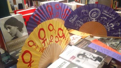 vanos molt ben acompanyats!!!! a la llibreria Pròleg!